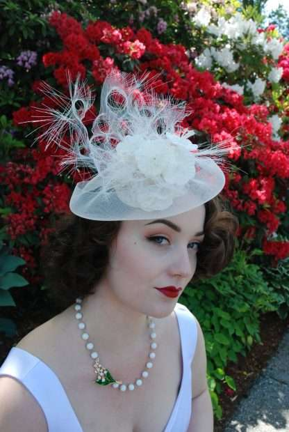 Artistic bridal headpiece with vintage flowers
