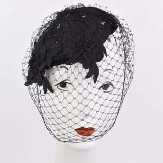 Black wool headpiece with lace and veiling3