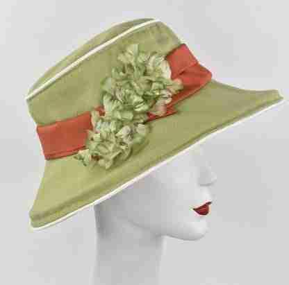 Green garden hat with Floral print under
