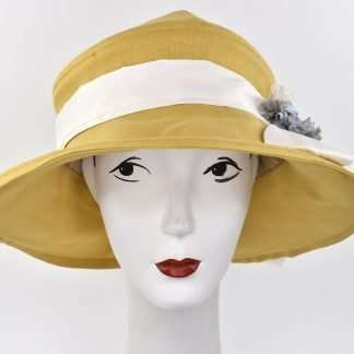 "Large brim summer hat in linen with trim, "" Gardenia"""
