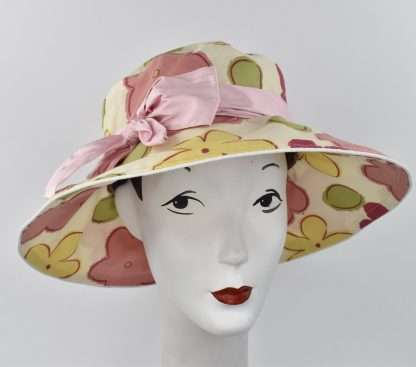 Large print abstracted flowers garden hat