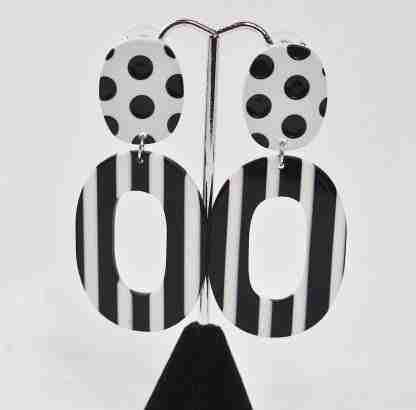 Retro 60's inspired oval stripe earrings